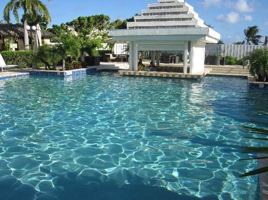 Brickell Bay Beach Club Spa The Pool Area At