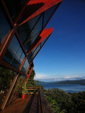 ChillOut Restaurante: Vista a el Lago Arenal