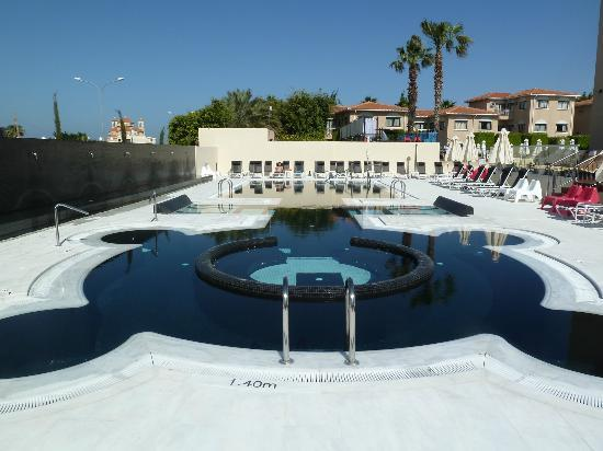 The King Jason Paphos: New spa pool