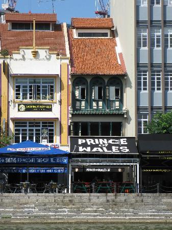 Prince of Wales Backpacker - Boat Quay: From Boat Quay
