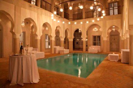 Riad Nashira & Spa: Pool patio