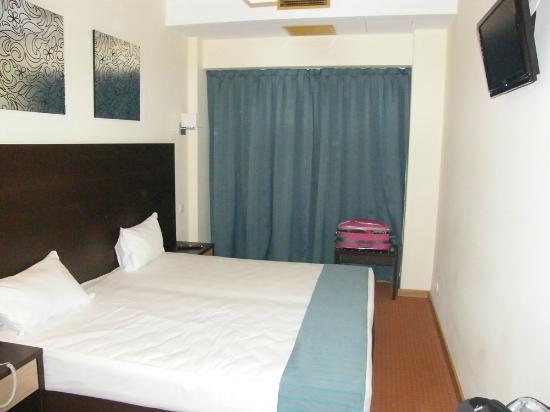 Hotel Dom Afonso Henriques : Quarto comodo