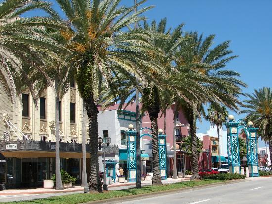 Perry's Ocean Edge Resort: Downtown