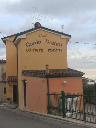 Garda Dream: Façade