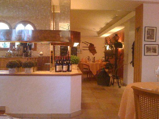 Kochs Stadthotel: Hotel restaurant view