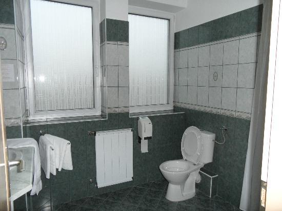 Hotel Platan: Douche