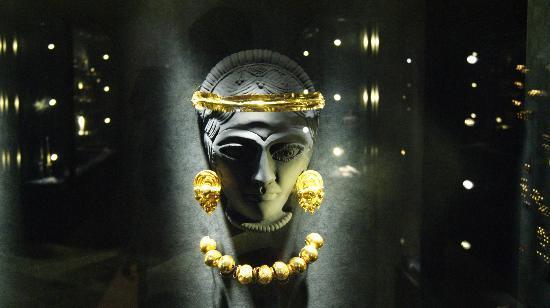 Palazzo di Ludovico il Moro (Palazzo Costabili): La collezione di gioielli