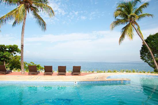 Wahoo Bay Beach Hotel Renovated Pool