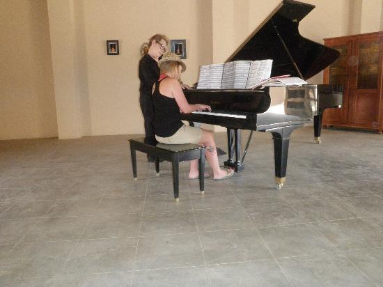 Hacienda Del Sol: Piano Museum