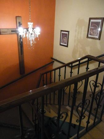 Casa Castillo: hallway, stairs to the patio