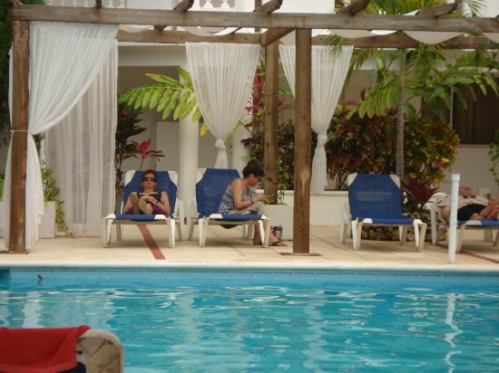 Hotel Celuisma Cabarete: Pool Area