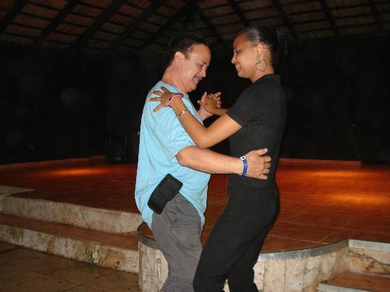 Hotel Celuisma Cabarete: Rosa teaching me to dance