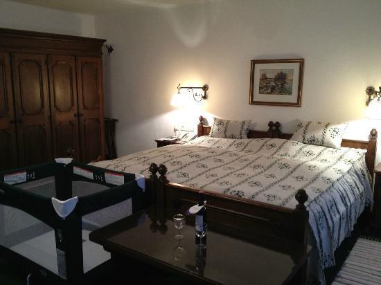 Hotel Goldener Hirsch, a Luxury Collection Hotel, Salzburg : Bed Room