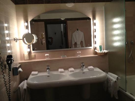 Hotel Goldener Hirsch, a Luxury Collection Hotel, Salzburg : Bathroom