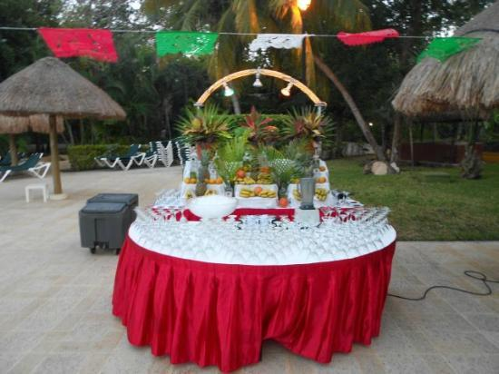 Hotel Riu Lupita: Getting ready for Mexican night