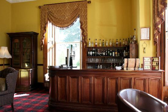 Tinakilly Country House Hotel & Restaurant: The bar area