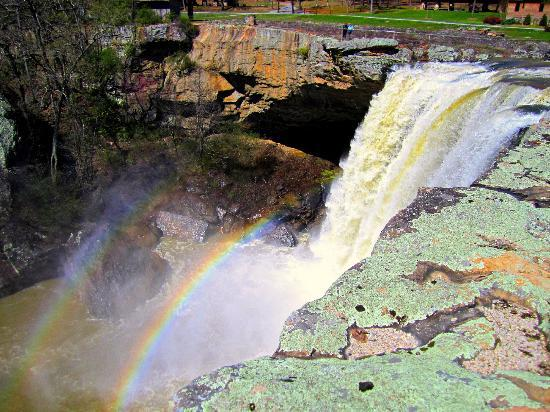 Noccalula Falls Park & Campground: Rainbow