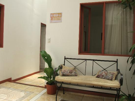 Hotel Casa Tago: Small Indoor Courtyard