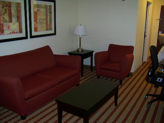 Best Western Plus Olive Branch Hotel & Suites : Sitting area