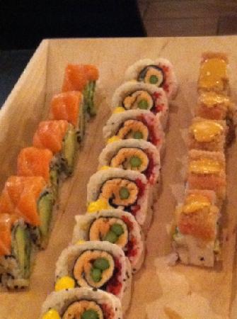 Kamiko Sushi Bar: delish!