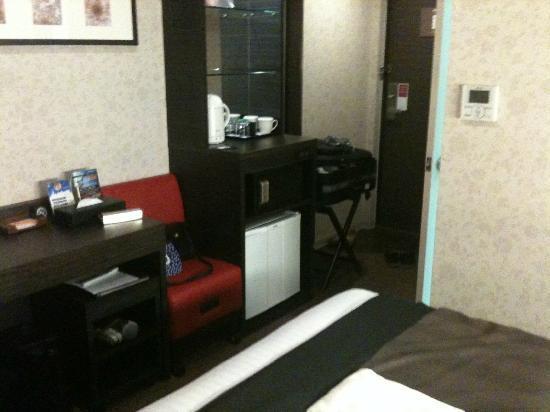 Hotel MyStays Hamamatsucho: hallway