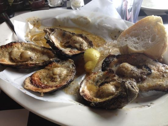 Acme Oyster & Seafood House: Oysters!