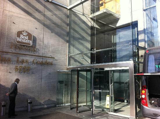 BEST WESTERN PREMIER Marina Las Condes: Entrada do hotel