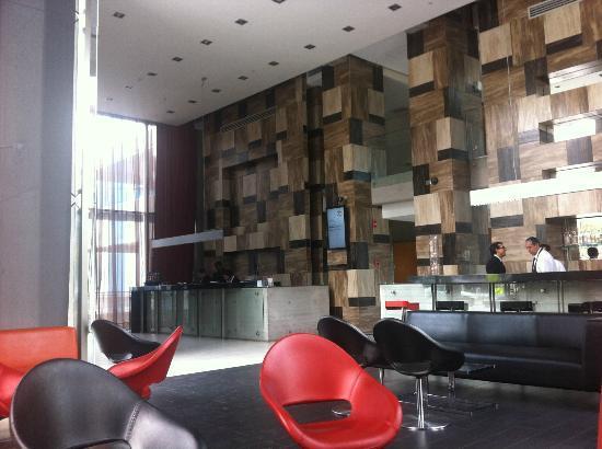 Best Western Premier Marina Las Condes: Recepção do hotel