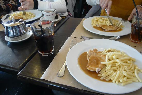 Le Cafe Bleu Roi : 美味しいローストとポテトチップ
