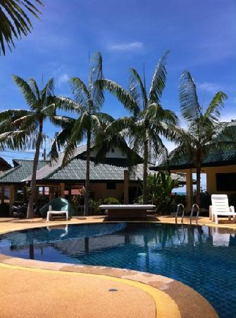 Samui Reef View Resort: around the pool