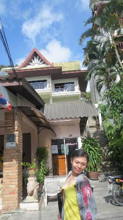 Baan Nitra Guesthouse Patong: nice place