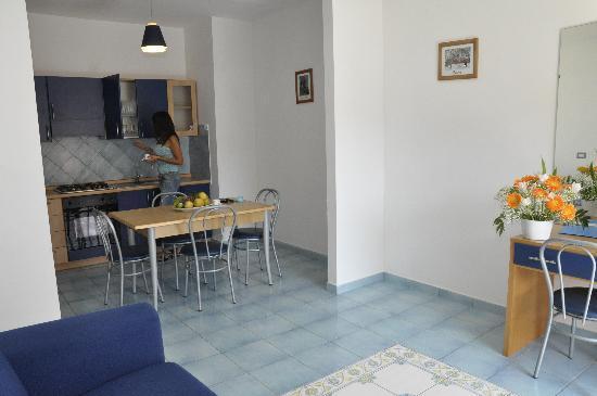 Panorama Santa Tecla Residence: bilocale salone