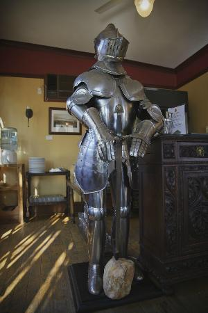 Beaufort House: Dining Room Armour
