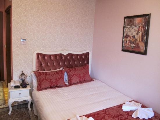 Esans Hotel: la cama