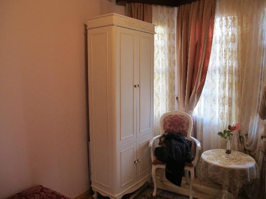 Esans Hotel: armario