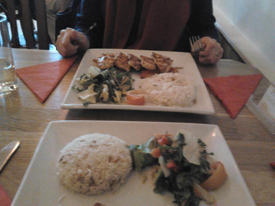 Istanbul Restaurant: lovely presentation, good size portions !