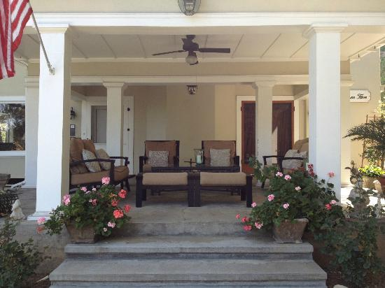 Arroyo Vista Inn : best place to savor a sunset - the front porch