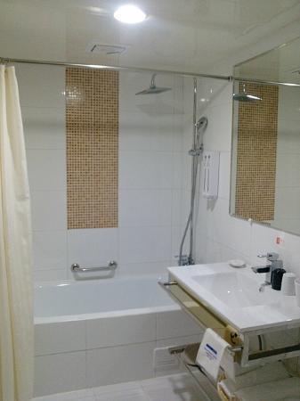 Legend hotel: 浴室