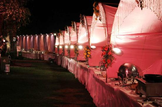Wedding decorations at hotel lawn picture of the manu maharani the manu maharani hotel wedding decorations at hotel lawn junglespirit Image collections