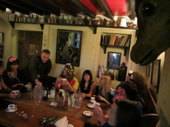 Packhorse Inn: 14 for a lovely sit down dinner