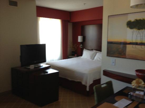 Residence Inn Gulfport-Biloxi Airport - Renovated : Sleeping area