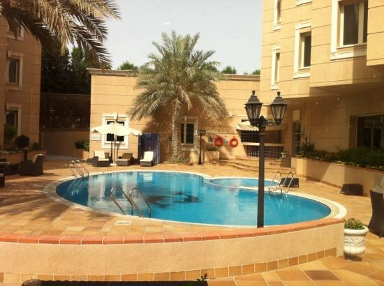 Holiday Inn Al Khobar: swimming pool for kids only