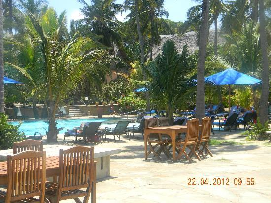 Bahari Beach Hotel: am pool