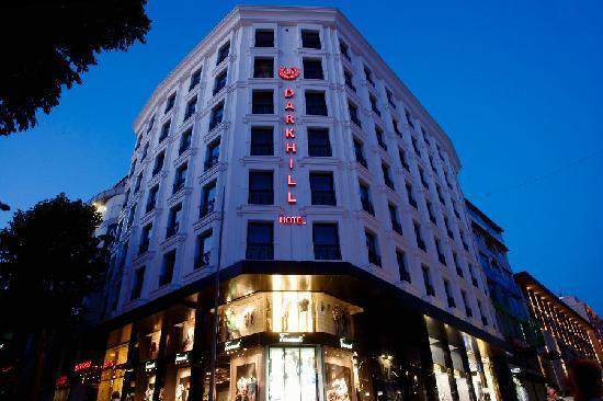 Darkhill Hotel: Exterior