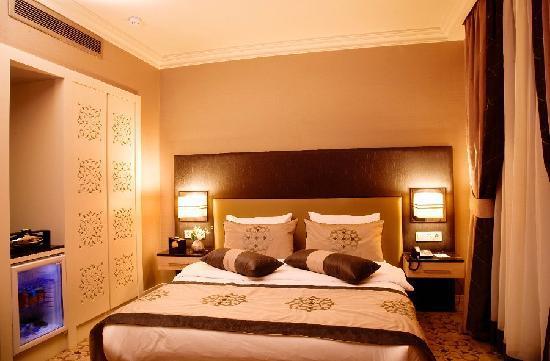 Darkhill Hotel: Deluxe Room