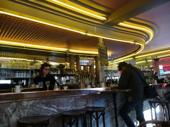 "Interior de ""cafe des 2 moulins"" - Picture of Cafe des"
