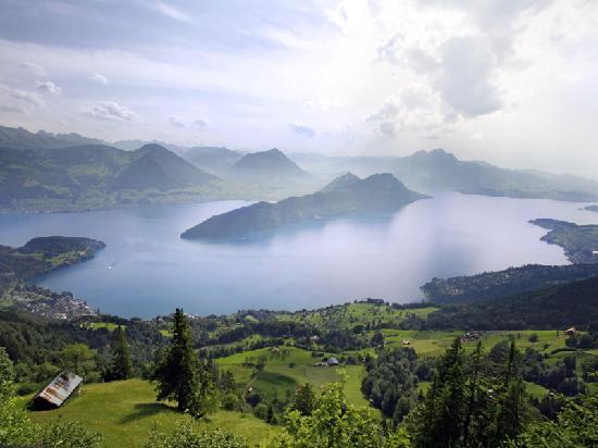 Lucerna, Suiza: View from Mt. Rigi