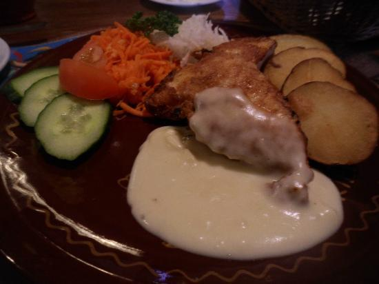 Bajorkiemis Chicken with vegetables and cooked potatoes
