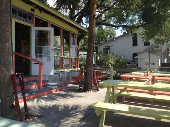 Bubba's Love Shak : bubbas patio