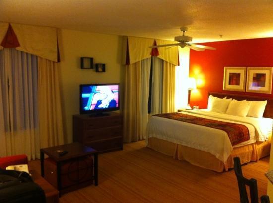 Residence Inn Kalamazoo East: king bed